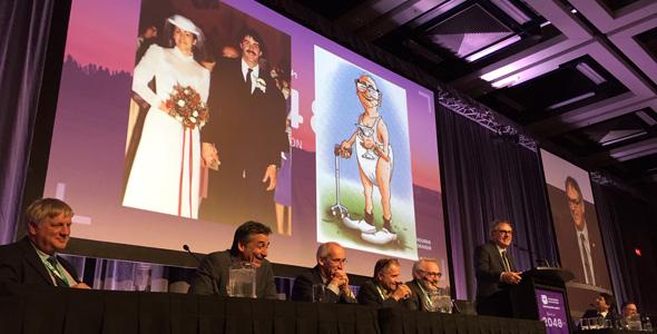 M. Groleau, il y a 30 ans… et dans 30 ans! Un clin d'œil humoristique au thème du 94e Congrès qui s'est ouvert le 4 décembre. Crédit photo : Vincent Cauchy/TCN