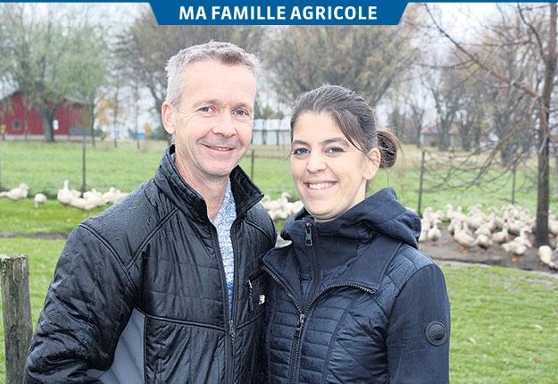 Mélissa Pépin et Marc Fleury sont plus heureux depuis qu'ils sont agriculteurs. Crédit photo : Frédéric Marcoux