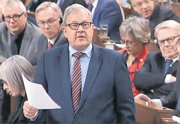 «Nous voulons promouvoir la santé mentale dans le secteur agricole», a soutenu le ministre MacAulay en Chambre. Crédit photo : Chambre des communes