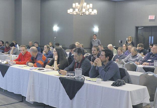 Une soixantaine de personnes ont participé à l'assemblée. Crédit photo : Maurice Gagnon