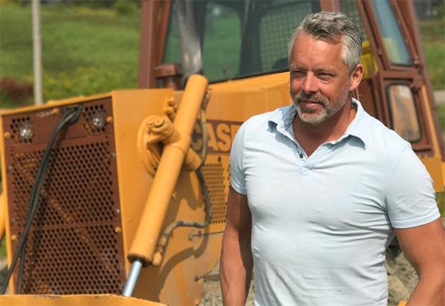L'entrepreneur et producteur agricole François Lambert ajoute une corde à son arc en devenant éleveur de lapins. Crédit photo: Archives/TCN