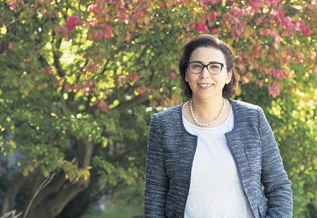 Salwa Karboune se passionne pour la recherche sur les prébiotiques. Crédit photo: Tom DiSandolo