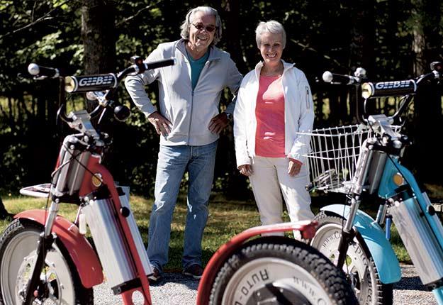 Les propriétaires de Concept Geebee, Jean-Luc LeNévannau, concepteur et responsable produit, et Sabine LeNévannau, présidente, derrière leurs créations: les Geebee. Crédit photo : Gracieuseté de Concept Geebee