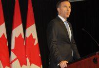 Le budget du ministre des Finances Bill Morneau reste flou sur ses intentions à propos des compensations pour l'Accord Canada–États-Unis–Mexique. Crédit : Yvon Laprade