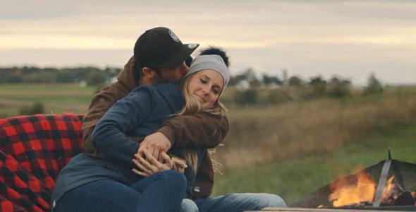 Anthony a profité d'un dernier petit moment romantique avec Myriam avant qu'elle s'en retourne à la maison.