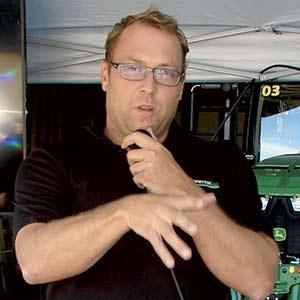 Dominic Plante, représentant Agritex chez John Deere.  Crédit photo : Bernard Gauthier