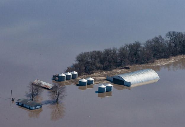 Ces photos ont été prises à Rock Port, au Missouri par Kenneth Miller