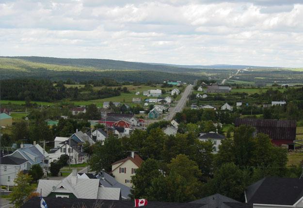 L'UPA demande à Québec de geler les taxes foncières agricoles, soit par le plafonnement de la valeur des terres aux fins d'impôts ou en obligeant les municipalités à imposer un taux distinct aux agriculteurs. Crédit photo : Archives/TCN