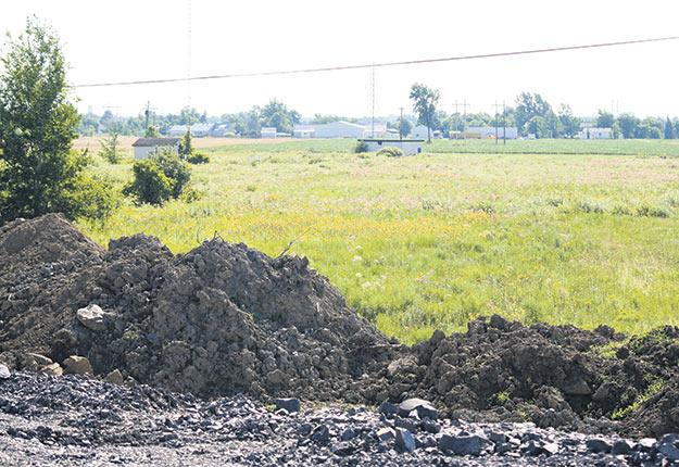 Les contrevenants qui souhaitent excaver des sols contaminés pour les décharger sur des terres agricoles feront face à des amendes pouvant aller jusqu'à 3M$. Crédit photo : Archives TCN