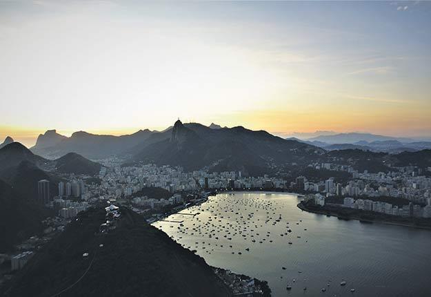 Coucher de soleil sur Rio de Janeiro, au Brésil. Crédit photo : David Riendeau