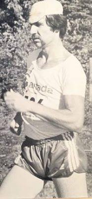 Au pic de sa carrière, Marcel Jobin marchait 160km par semaine en guise d'entraînement. Photo : Gracieuseté de Marcel Jobin