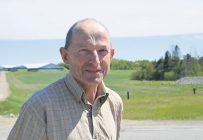 Le Québec possède un climat idéal pour la culture des fourrages, un sentiment d'acquis qui explique peut-être le peu de ressources et de fonds qui sont consacrés à la recherche et au développement dans le domaine, croit Alphonse Pittet, président du CQPF. Photo : Bernard Lepage