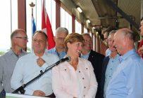 Lors de l'annonce, la ministre fédérale de l'Agriculture, Marie-Claude Bibeau, était entourée de plusieurs députés libéraux du caucus du Québec. Photo : Julie Mercier/TCN