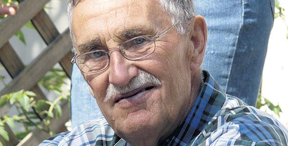 Raymond a été l'un des fondateurs de la Fédération des producteurs de pommes de terre du Québec. Il a transmis à ses fils Gilles et Paul-André ainsi qu'à son petit-fils Simon le goût de s'impliquer dans des organismes agricoles.