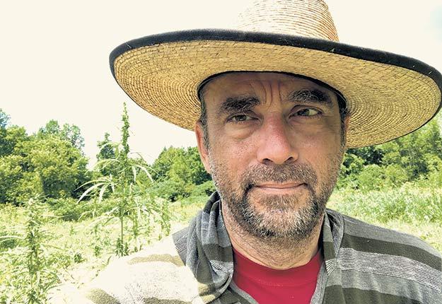 Stéphane Gendron, nouvellement producteur agricole, veut jeter un nouvel éclairage sur la détresse psychologique dans le pré. Photo gracieuseté de Stéphane Gendron