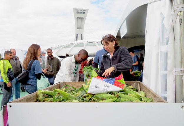 De nombreux visiteurs ont afflué au Parc olympique de Montréal, le 8 septembre, à l'occasion de l'événement Portes ouvertes sur les fermes du Québec. Crédits photo : Agathe Beaudoin