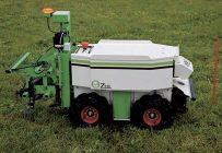 Le robot Oz, en démonstration à la Journée phytoprotection organisée par le CRAAQ. Une productrice de légumes du Nouveau-Brunswick est la première au pays à s'être portée acquéreur de cet appareil conçu pour le maraîchage, les pépinières et l'horticulture. Photo : David Riendeau
