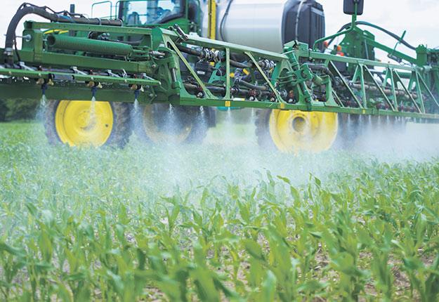 Si une corrélation entre la maladie de Parkinson et l'utilisation de pesticides par des travailleurs agricoles est déjà admise dans la communauté scientifique, le lien avec l'autisme, lui, est loin d'être établi. Crédit : Martin Ménard/TCN