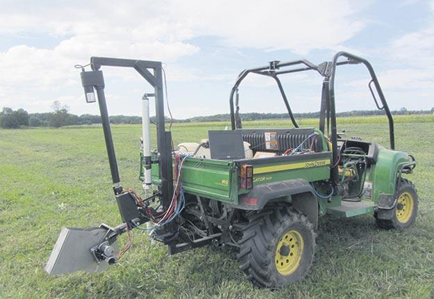 Il existe divers types de véhicules agricoles munis d'un capteur d'analyse du sol. Photo : Viacheslav Adamchuk