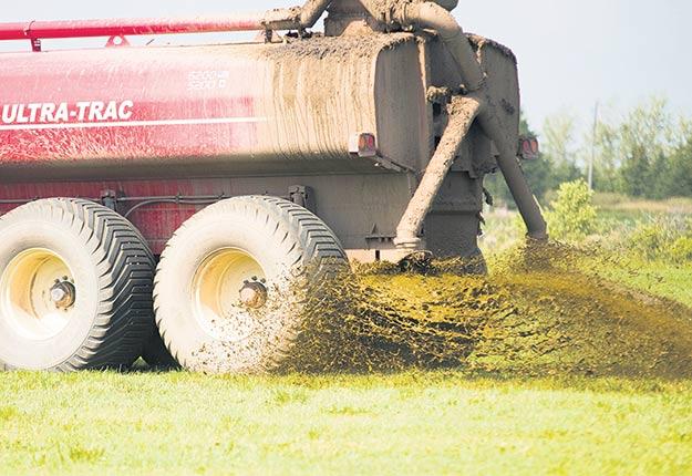 Les agriculteurs demandent depuis longtemps que soit retirée la date limite du 1eroctobre au profit d'une approche basée sur le climat régional. Photo : Martin Ménard / TCN