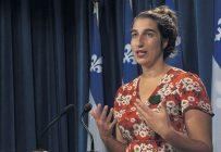 La porte-parole agricole pour Québec solidaire, Émilise Lessard-Therrien, a bon espoir que le fruit des travaux de la Commission de l'agriculture, des pêcheries, de l'énergie et des ressources naturelles sur les pesticides sera dévoilé avant les Fêtes. Photo : Québec Solidaire