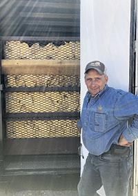 Robin Janson met le tabac au séchoir durant 7 à 10jours à une température entre 95 et 160°C.