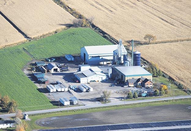 La compagnie évalue que ses activités libèrent l'équivalent de 6500hectares de cultures de maïs qui peuvent être utilisés chaque année pour autre chose.