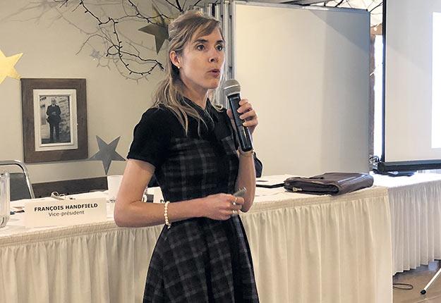 La présidente du Groupe Agéco, Isabelle Charron, a présenté une conférence intitulée L'agriculture québécoise: une éthique à valoriser. Photo : Josianne Desjardins/TCN