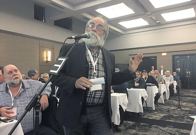 L'érablière de Maurice Vigneault est conforme à la norme californienne sur le plomb. Il dit qu'il n'est pas prêt à payer pour les nombreux acériculteurs qui ne veulent toujours pas se conformer. Photo : Martin Ménard/TCN