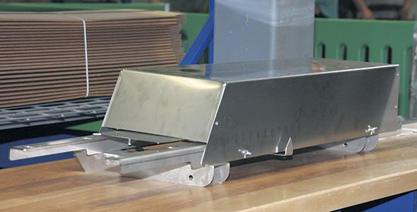 Valve permettant d'alterner automatiquement entre deux silos en tandem quand leur limite de moulée est atteinte.