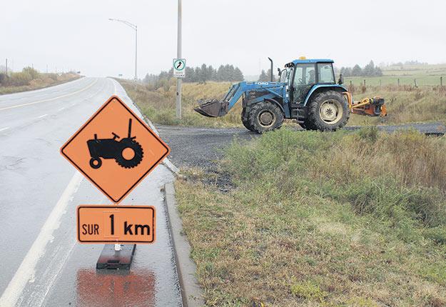 Ce panneau créé par de la Fédération de l'UPA de la Chaudière-Appalaches déroge à la réglementation du ministère des Transports du Québec (MTQ).