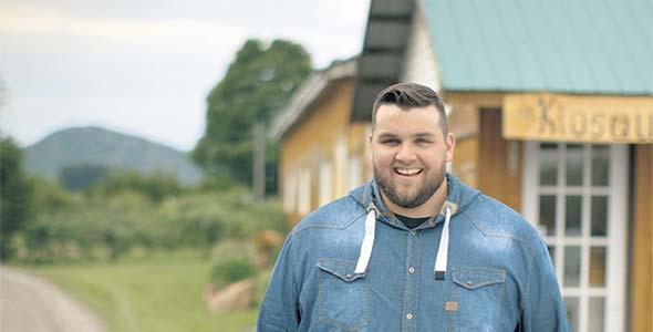 Philippe, 23ans, Mont-Saint-Grégoire, Montérégie. Producteur maraîcher, porcin et acéricole.