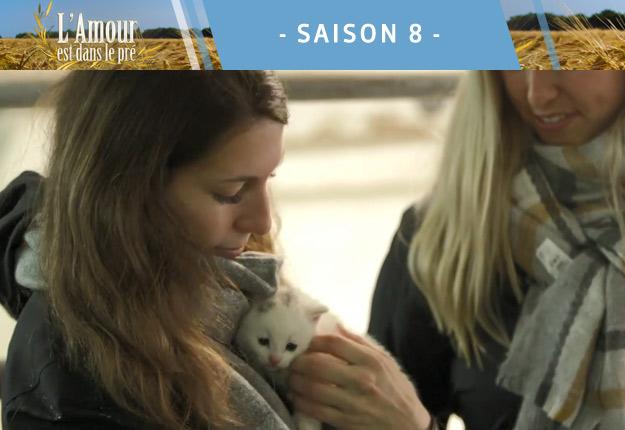 Comment gagner des points avec une prétendante de l'amour est dans le pré? Offre-lui un bébé chat! Bravo Jayson!