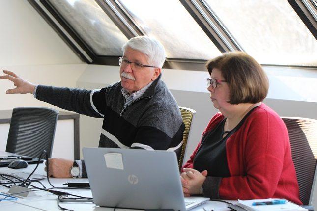 Le président et la directrice générale de l'Ordre des agronomes du Québec, Michel Duval et Louise Richard, se sont engagés à mettre en application d'ici 2021 les 17 recommandations du comité d'experts sur l'indépendance professionnelle. Photo : Caroline Morneau/TCN