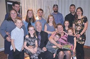La famille Gauvin s'est réunie en octobre lors d'un hommage rendu à Marie-Claire Dionne pour son implication en agriculture. Photo : Gracieuseté de la famille Gauvin
