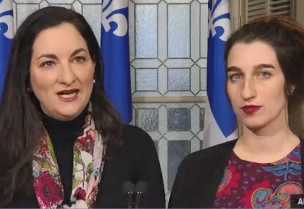 Les porte-parole en matière d'agriculture du Parti libéral du Québec, Marie Montpetit, et de QS, Émilise Lessard-Therrien, ont dénoncé d'une même voix le manque de communication entre les membres de la CAPERN et sa tête dirigeante.