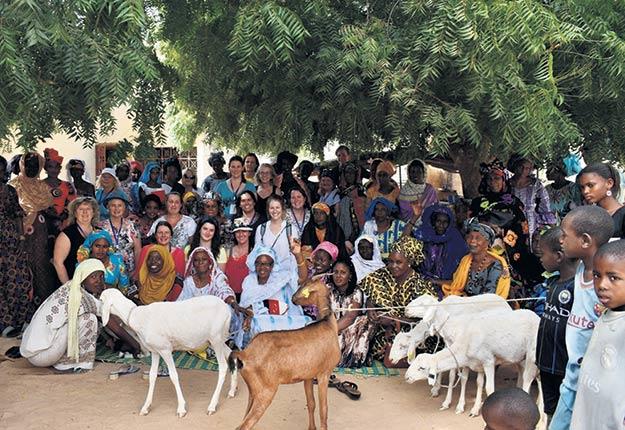En Afrique, l'agriculture est pratiquée à 80% par des femmes. Seize Québécoises sont allées à leur rencontre pendant deux semaines en janvier. Photo : Gracieuseté d'UPADI