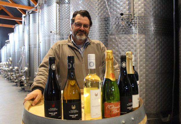 Le vigneron Yvan Quirion, copropriétaire du Domaine St-Jacques et président sortant du Conseil des vins du Québec, s'est placé en quarantaine préventive avec sa famille. Crédit : Archives/TCN