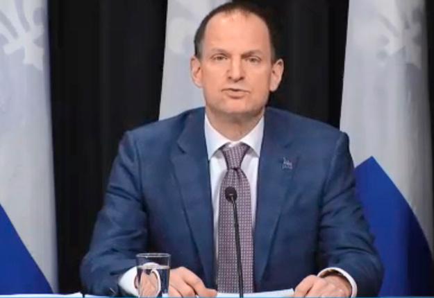 Le ministre des Finances, Éric Girard, a reporté le paiement des impôts des entreprises au 31 juillet. Crédit : Assemblée nationale