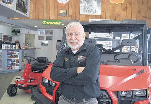 « J'ai traversé toutes les époques et j'ai eu le plaisir de pouvoir travailler avec les agriculteurs, ce qui est un grand privilège», confie Michel Forest, propriétaire de Machineries Forest et président de l'AMMAQ de 1991 à 1992. Photo : David Riendeau