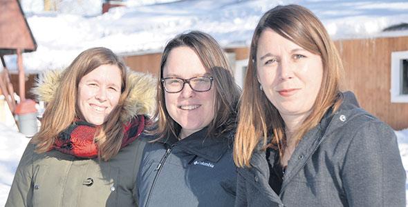 Les trois sœurs propriétaires de l'Érablière Prince, Caroline, Aline et Fanny travaillent ensemble pour préserver et développer le patrimoine familial.