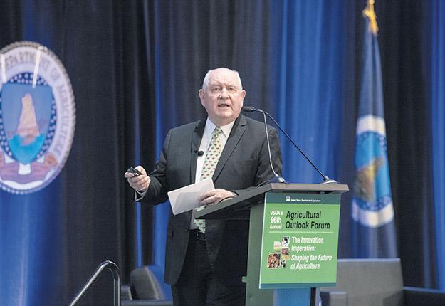 Le secrétaire d'État à l'Agriculture, Sonny Perdue, a présenté un plan agroenvironnemental au Forum annuel sur les perspectives agricoles à Washington, le 20février. Photo : USDA