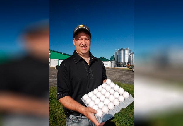 Le président des Producteurs d'œufs du Québec, Paulin Bouchard, constate que le « syndrome du papier de toilette » s'est aussi manifesté au comptoir des œufs dans les épiceries ces derniers jours. Photo: Gracieuseté des Producteurs d'œufs du Québec