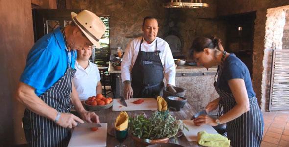Nicolas reviendra du sud avec une « valeur ajoutée » selon lui, puisqu'il sait maintenant préparer du guacamole.