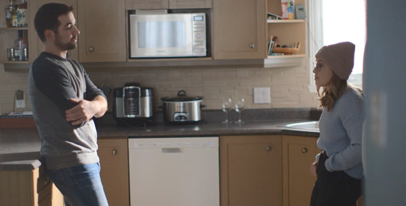 On sentait le malaise entre Rémy et Ann-Marie dans la cuisine.