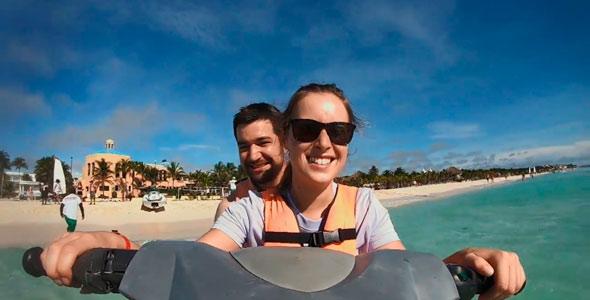 Rémy et Anne-Marie ont fait de la motomarine. Aux dires de Rémy, c'était un peu plus stressant quand Anne-Marie conduisait.