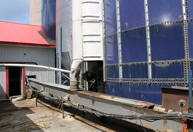 Les gaz asphyxiants ont provoqué la perte de conscience de Nicholas Lanciaux, qui a fait une chute mortelle en bas du silo. Photo : Gracieuseté de la CNESST