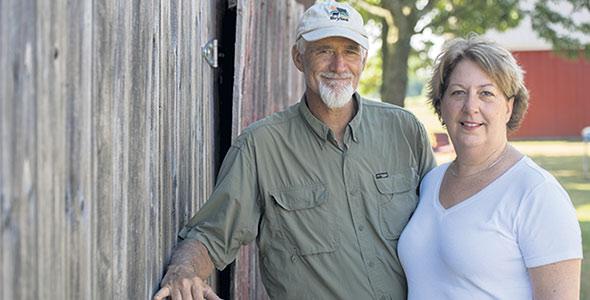 Brian Maloney et Lise Villeneuve, de la Ferme Brylee, ont dû réorganiser leur modèle d'affaires en raison de la pandémie. Photo : Gracieuseté de la Ferme Brylee