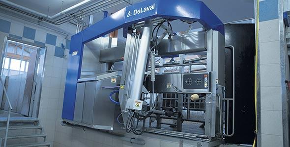 Il faut prévoir entre 250000$ et 300000$ pour l'achat d'un robot de traite De Laval, selon les options choisies.
