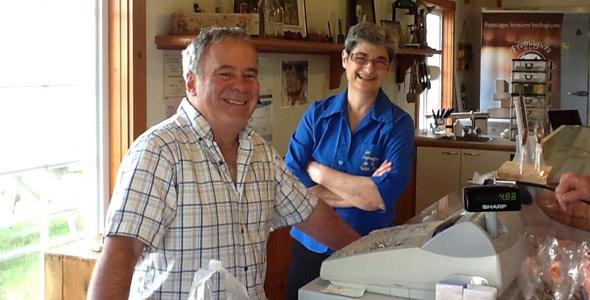 Ronald Alary et France Dion, des Fromagiers de la Table Ronde à Sainte-Sophie. Crédit : Gracieuseté de Ronald Alary